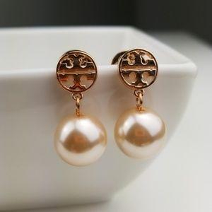 Tory Burch Jewelry - Tory Burch Rose Gold Pearl Drop Earring